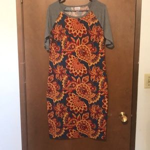 Lularoe Julia, Large
